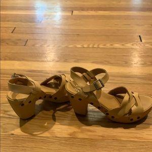 KorkEase size 7/38 tan platform leatherwrap sandal